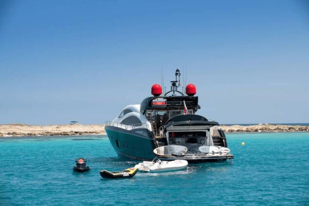Sunseeker Predator 84 Palumba lujo Ibiza